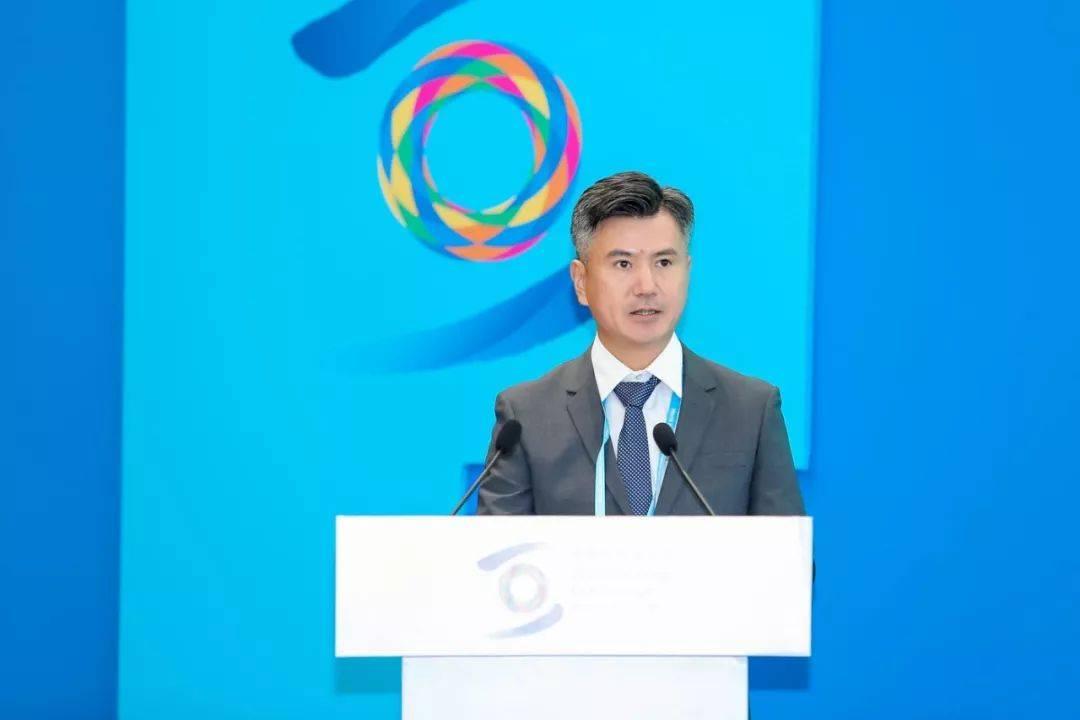 世界互联网大会的第一天,李彦宏、雷军等大佬说了啥