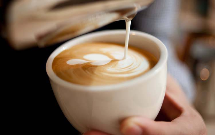 对比连咖啡和瑞幸咖啡,谁将搅动咖啡市场?
