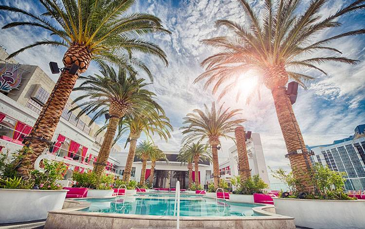 酒店餐厅如何利用微信社群营销,赚取人气和收益?