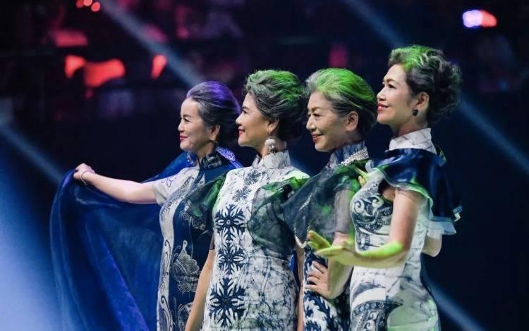 拍短视频,当模特,平均年龄65岁的中国大妈是怎么炼成的?