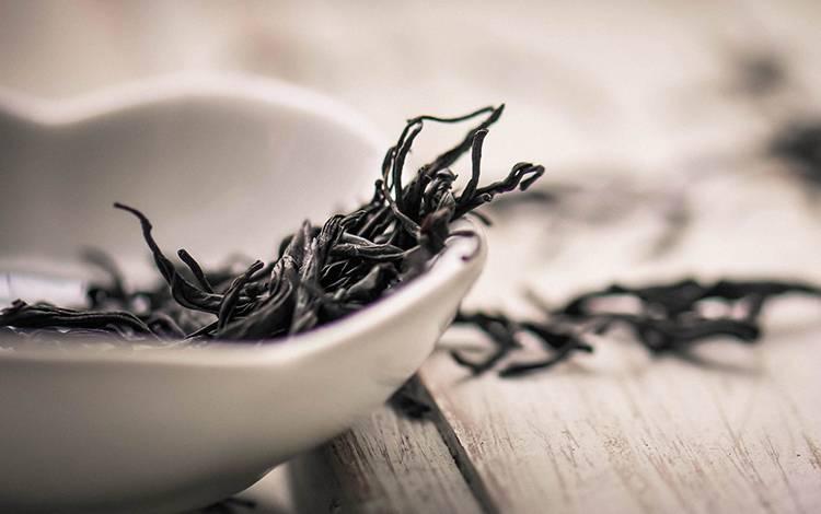 """从""""定位""""的角度分析《小罐茶》的产品详情页设计理念"""